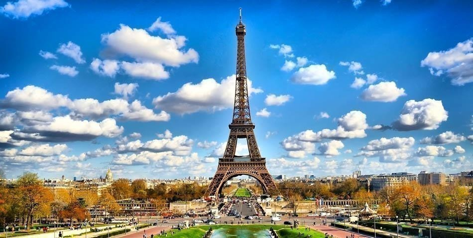 Famous Tour Eiffel in Paris, France | Best Things to do in Paris In 3 Days