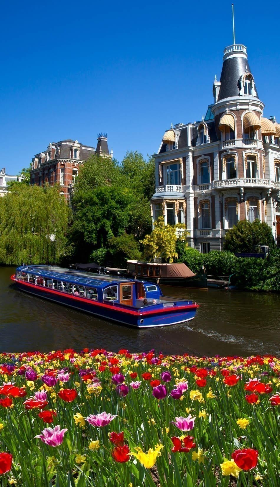 Take a Canal Tour in Amsterdam | How to Spend 3 Days in Amsterdam