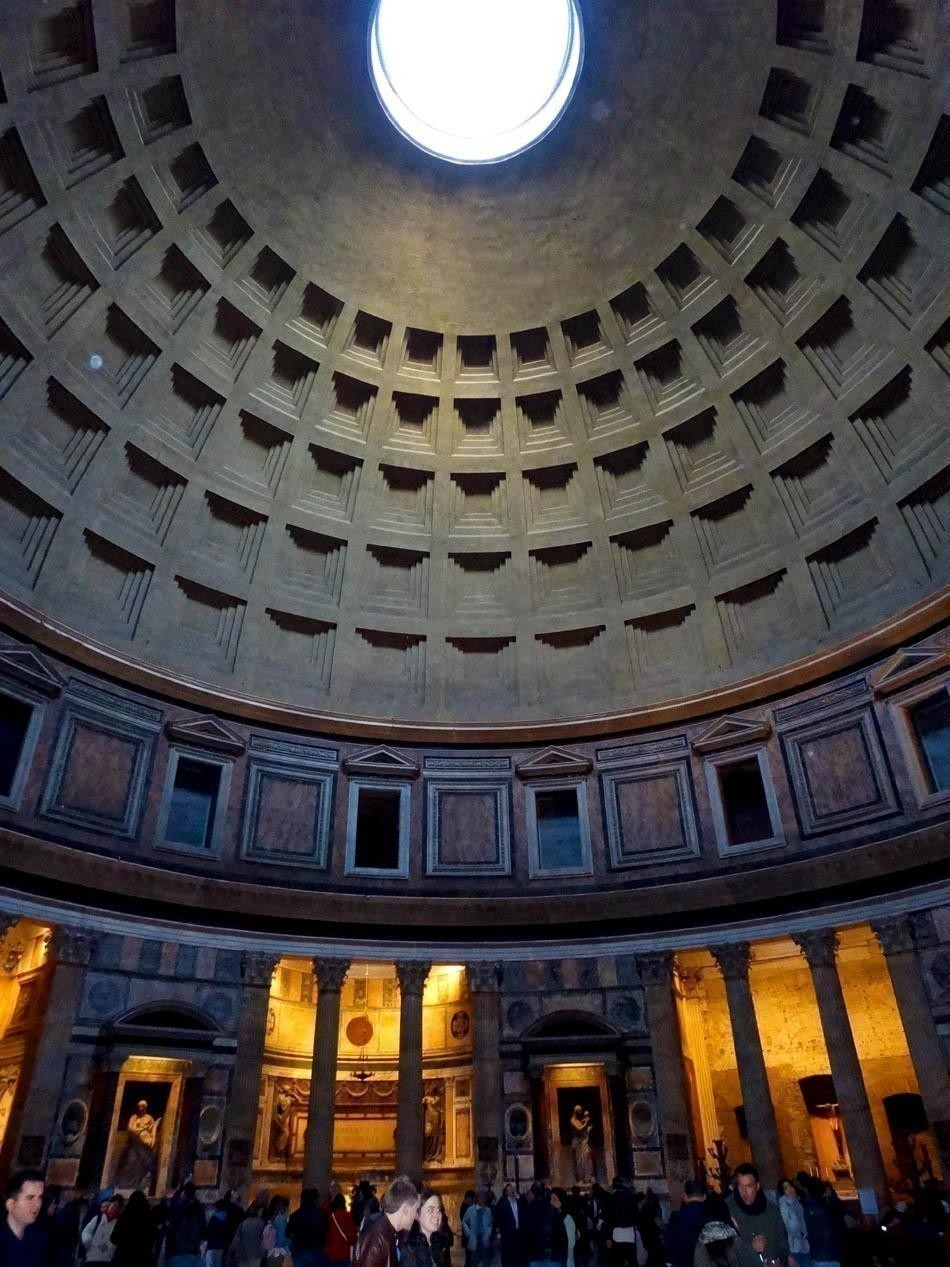 Pantheon, Rome | What to do in a rainy day in Rome - the Eternal City