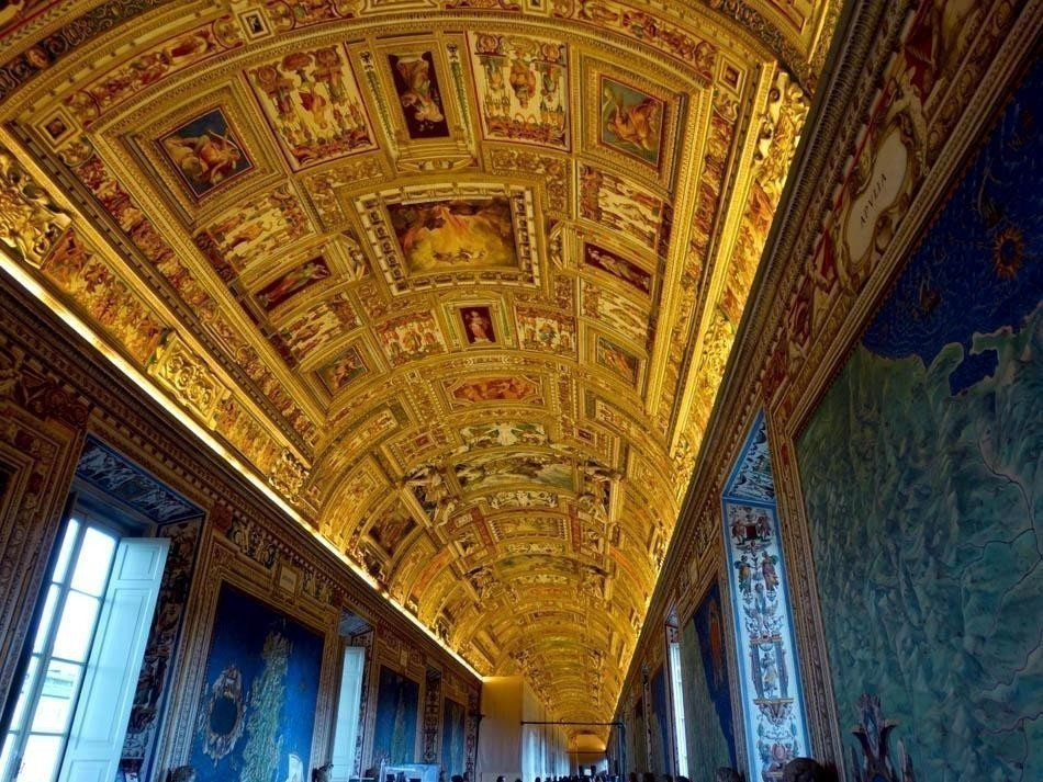 Galleria delle Arte Geografiche, Vatican Museums   What to do in a rainy day in Rome - the Eternal City