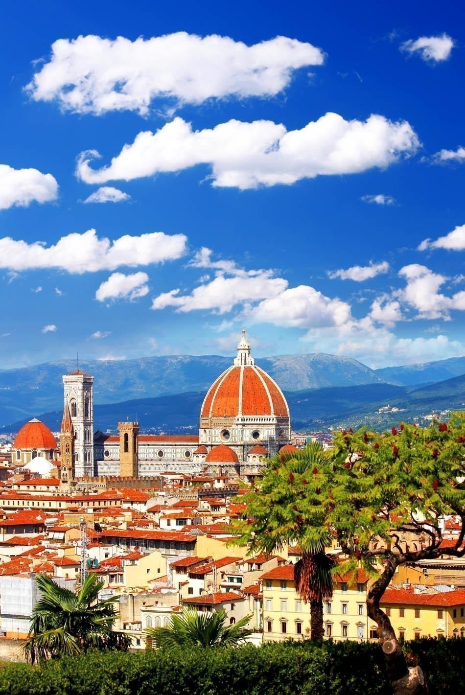 Florence cathedral in Tuscany, Italy during Springtime   The most beautiful European Destinations in Spring