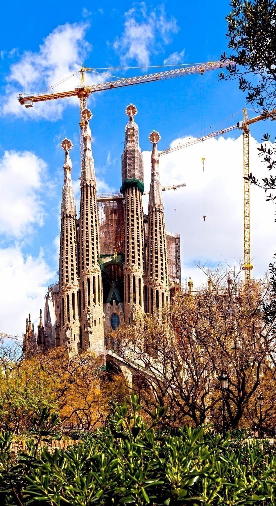 Famous Sagrada Familia in Barcelona | Spain Travel Guide