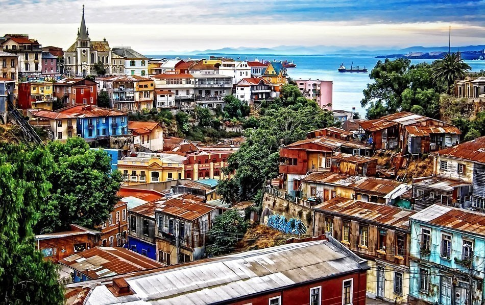 A centre of culture and street art, Valparaiso – sometimes called 'The Jewel of the Pacific' – is known for its brightly coloured buildings   10 of the Most Colorful Cities in the World