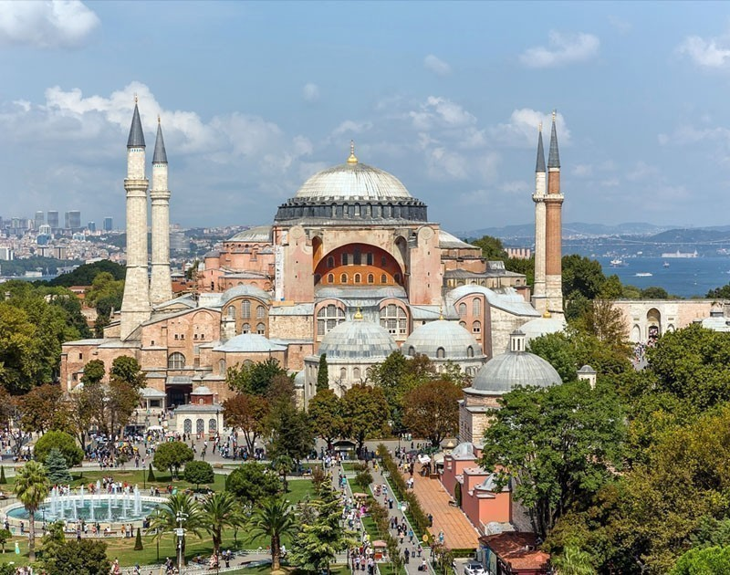 Visit Hagia Sophia Museum-Church (Ayasofya) | The Ultimate 3-Day Itinerary for a trip to Istanbul