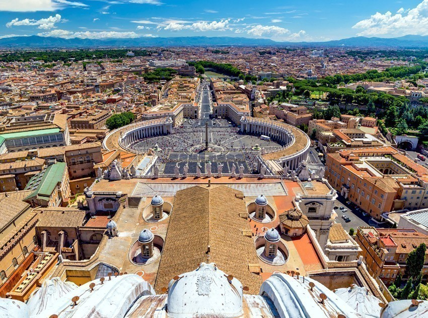 Amazing view of St. Peter's Square, Vatican City | TOP 10 World-famous City Squares