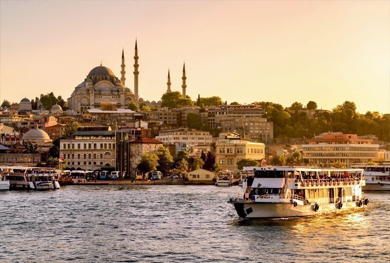 Tourist boat sails on the Golden Horn in Istanbul, Turkey | 10 of the Cheapest Cities You Must Visit in Europe