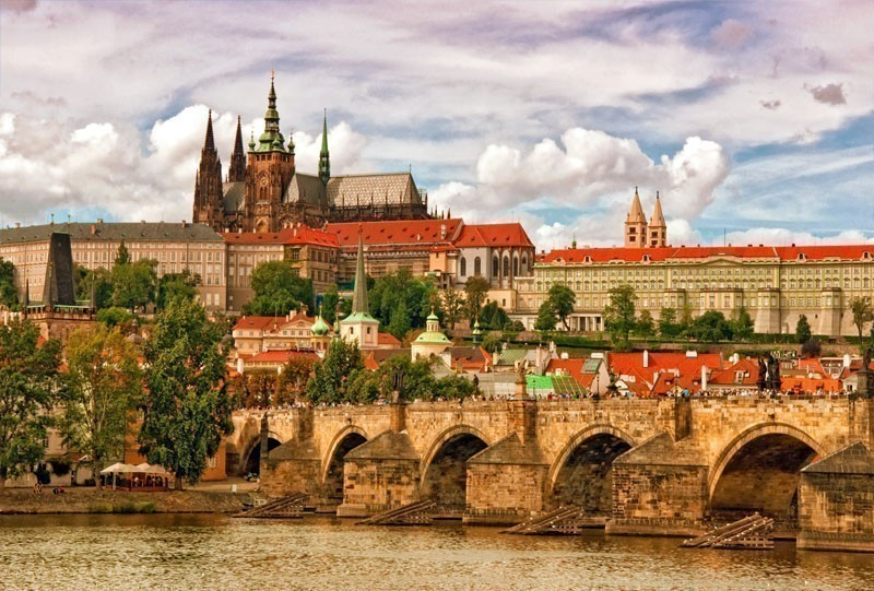 Prague castle Hradcany and Charles bridge, two of the most famous tourist attractions in Prague | 10 of the Cheapest Cities You Must Visit in Europe