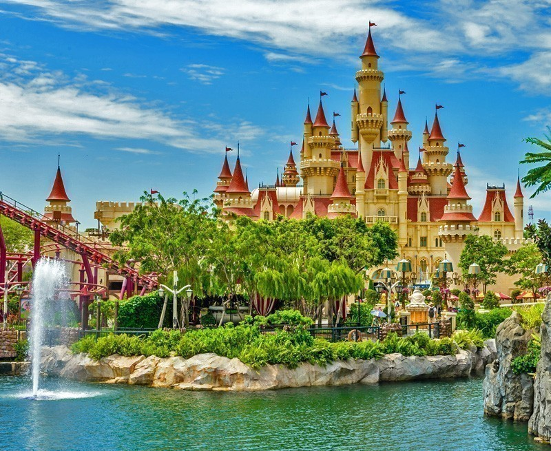 Singapore's Sentosa Island is more than enough to make your kid's vacation memorable with 4D Adventureland, MegaZip Adventure Park, the Skyline Luge, and Gogreen Segways and above all Universal Studios.   TOP 10 Kid-Friendly Destinations Around the World
