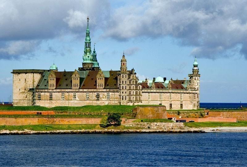 Castle of Hamlet, Kronborg Slot in Elsinore | TOP 10 Most Amazing Tourist Attractions in Copenhagen