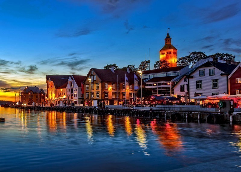 Charming Stavanger city at night | 10 Top-Rated Tourist Attractions in Norway