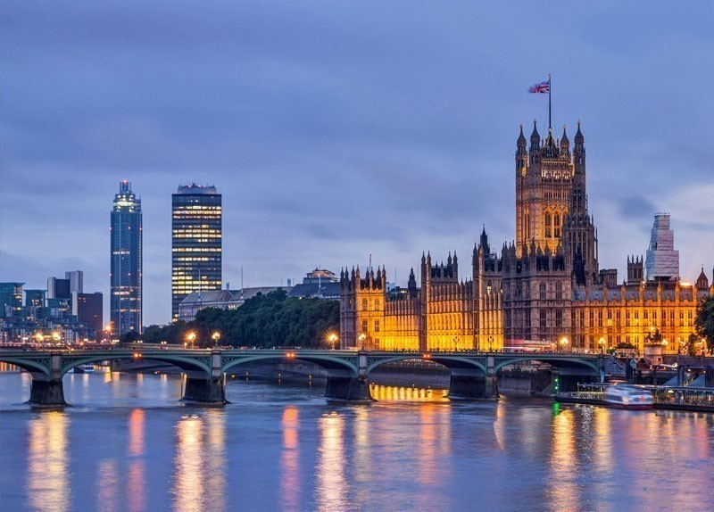 Westminster Bridge at dusk, London | What to Do and See in London in 3 Days