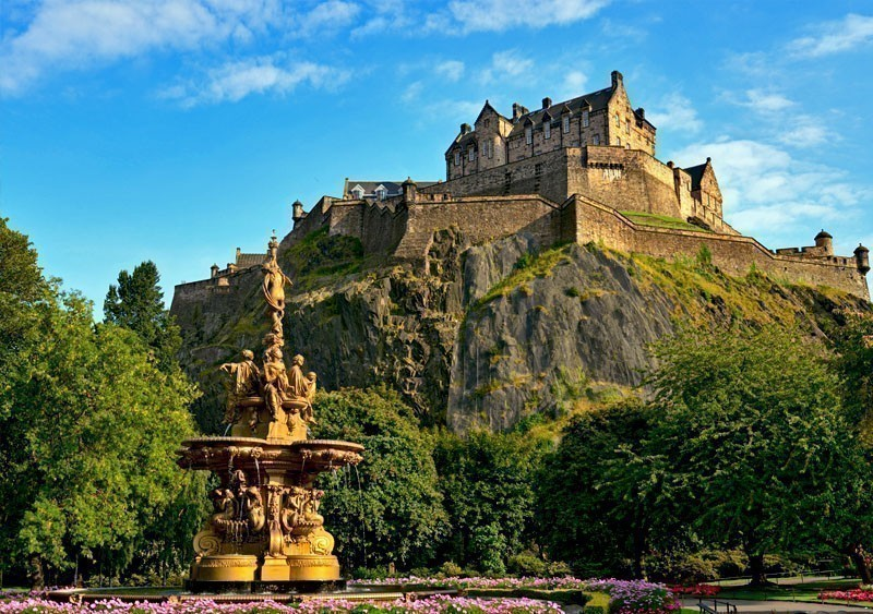 Edinburgh Castle, one of the most important strongholds in the Kingdom of Scotland   What to Do in Edinburgh in 3 Days