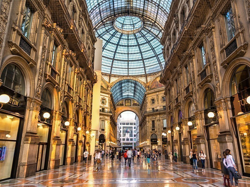 The Galleria Vittorio Emanuele II, a famous shopping mall in Milan | What to Do in Milan in 3 Days