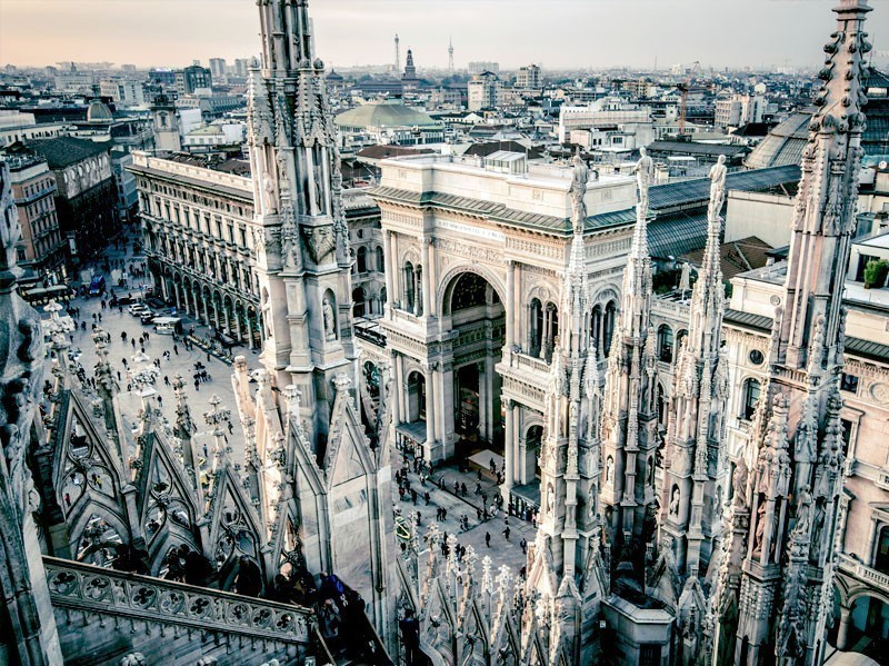View from the rooftop of the Cathedral Santa Maria Nascente (Duomo in Milan, Italy) | What to Do in Milan in 3 Days