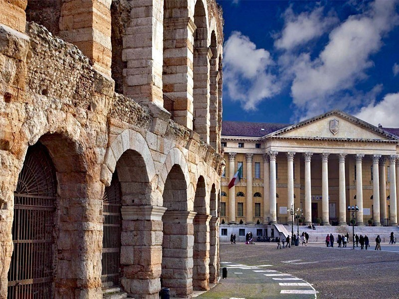 Beautiful view of Verona Arena and Palazzo Barbieri | What to Do in Verona in 3 Days