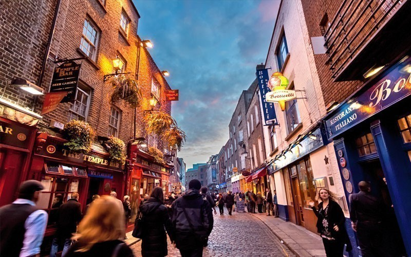 Visit the Temple Bar District | What to Do in Dublin in 3 Days