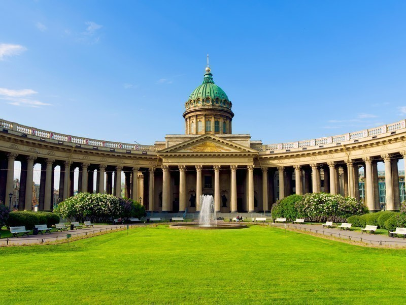 Beautful view of Kazan Cathedral in St.Petersburg, Russia | What to Do in St. Petersburg in 3 Days