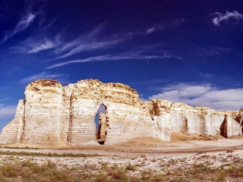 Monument Rocks, one the most impressive feats of nature and at the same time tourist places to visit in Kansas