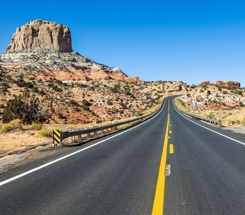 Running from the tourist hotspot of Flagstaff through the majestic Oak Creek Canyon to the town of Sedona, Arizona – Route 89A truly captures the essence of a road trip | 10 Of America's Most Breathtaking Road Trips